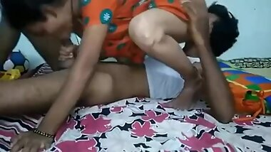Married bhabhi hard with her husband