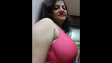 Indian bhabhi with neighbour