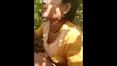 Desi Lover outdoor fucking