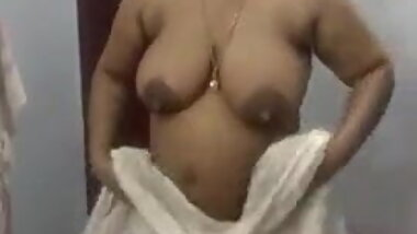 Coimbatore teacher showing her nude body with tamil audio